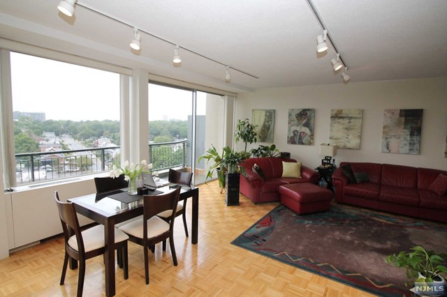 One Bedroom Co Op In Fort Lee For Sale Bronx Pennysaver